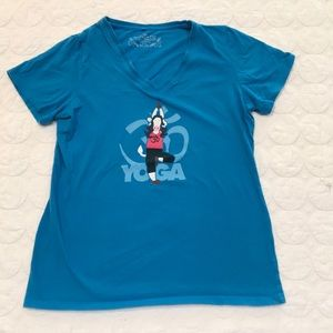 {The Authentic T Shirt Company} Yoga Cow Tee Small